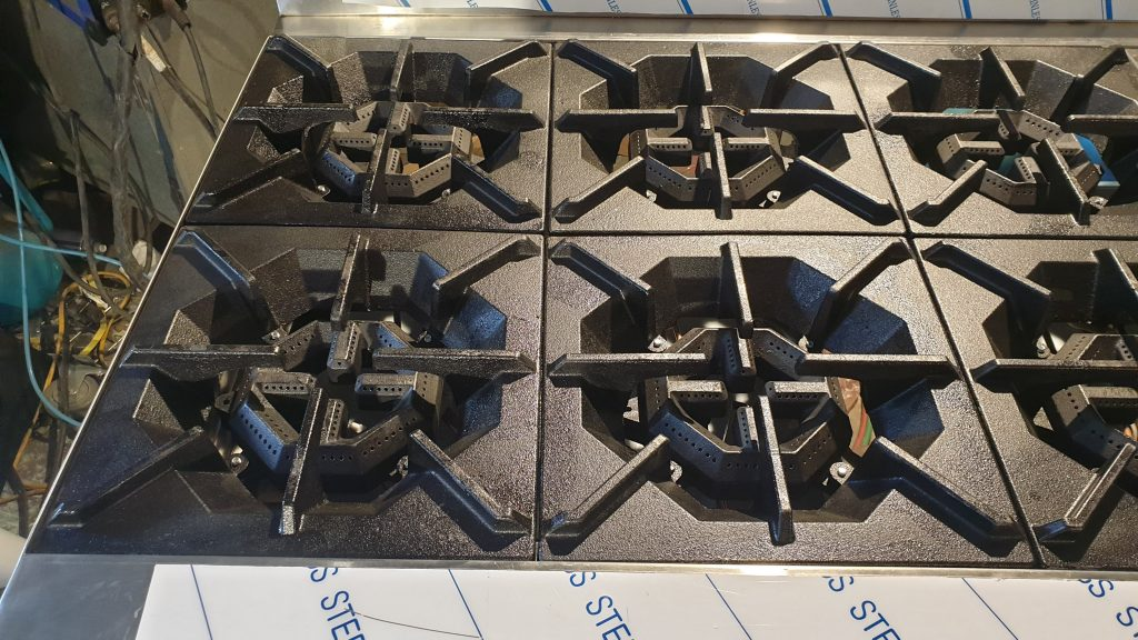 khung bếp âu 8 họng