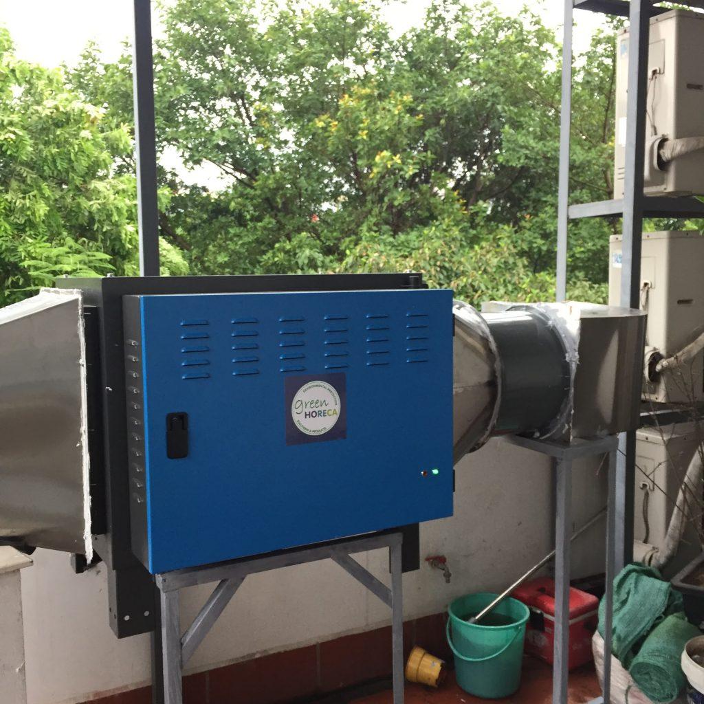 máy lọc khói tĩnh điện